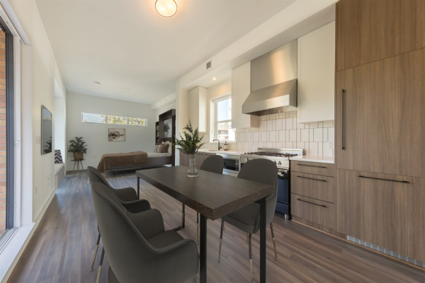 2 6939 CAMBIE STREET, Vancouver