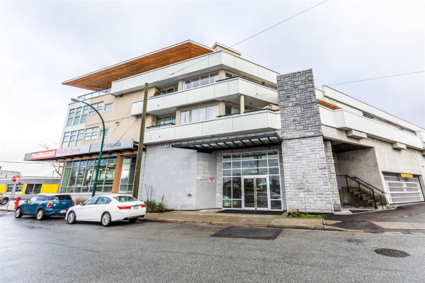 205 4338 COMMERCIAL STREET, Vancouver