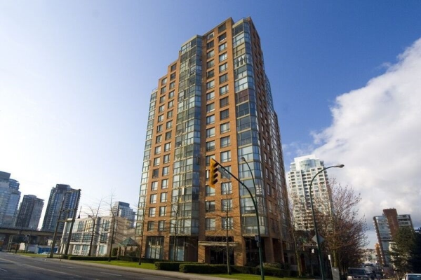 307 888 PACIFIC STREET, Vancouver