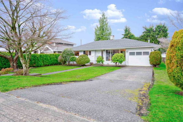 8623 11TH AVENUE, Burnaby