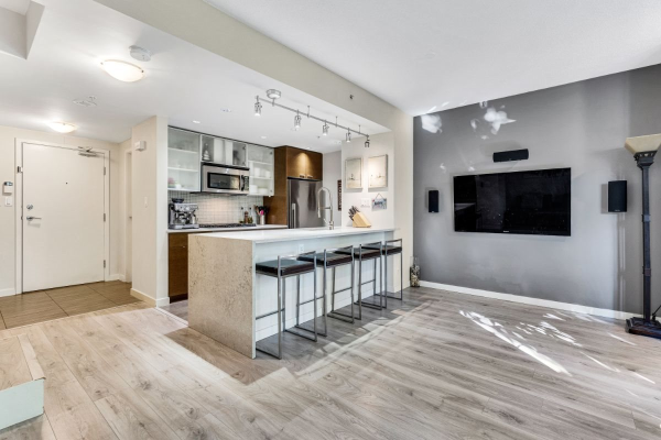 TH107 980 COOPERAGE WAY, Vancouver