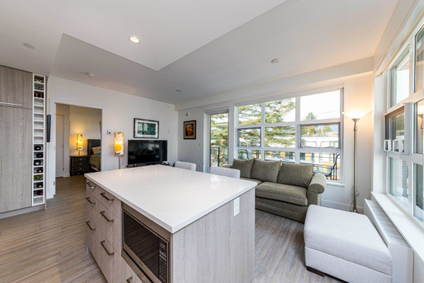 409 707 E 3RD STREET, North Vancouver