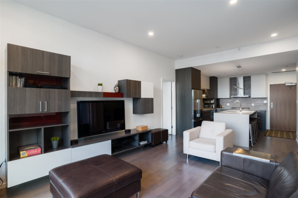 707 63 W 2ND AVENUE, Vancouver