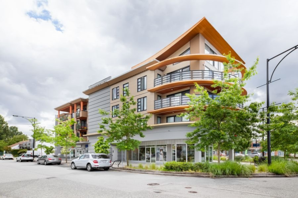 205 857 W 15TH STREET, North Vancouver