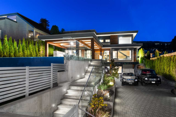 2545 MATHERS AVENUE, West Vancouver