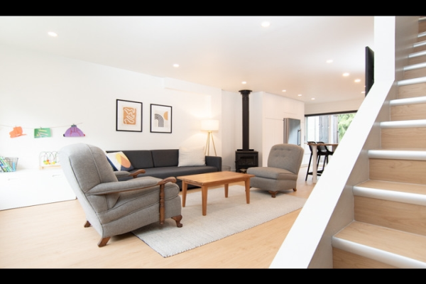 5 266 W 4TH STREET, North Vancouver