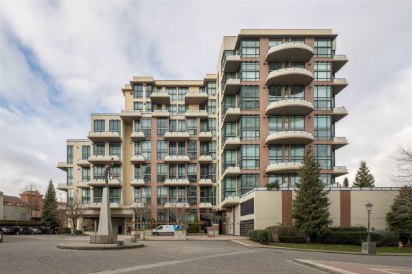 421 10 RENAISSANCE SQUARE, New Westminster
