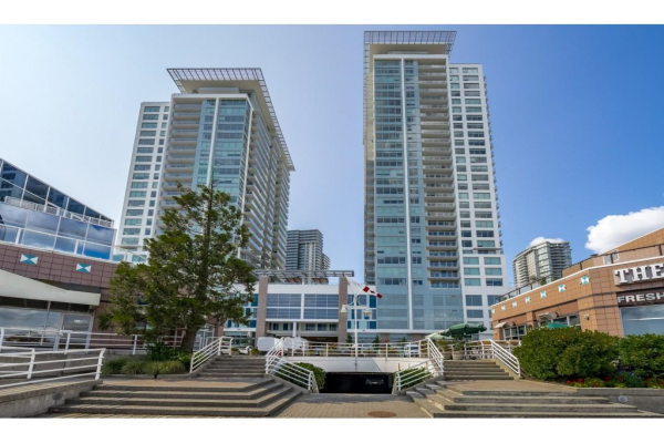 3008 908 QUAYSIDE DRIVE, New Westminster
