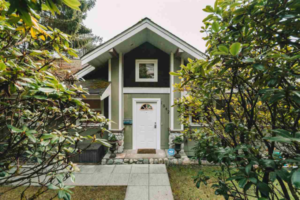 1842 CLIFFWOOD ROAD, North Vancouver