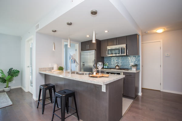 606 89 W 2ND AVENUE, Vancouver