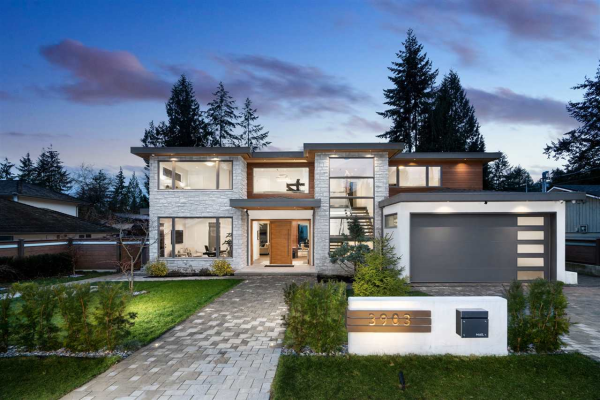 3903 LORAINE AVENUE, North Vancouver