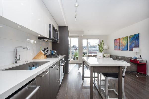 511 417 GREAT NORTHERN WAY, Vancouver