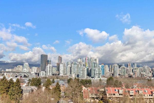 1093 W 7TH AVENUE, Vancouver