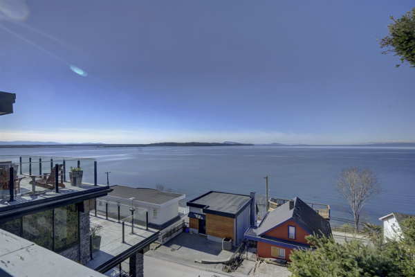 15290 VICTORIA AVENUE, White Rock