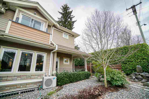 1905 CHESTERFIELD AVENUE, North Vancouver