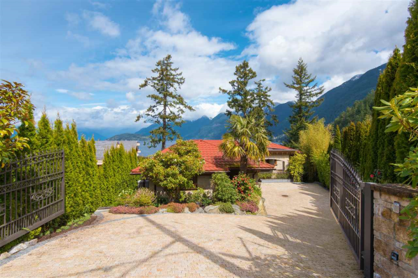 6929 ISLEVIEW ROAD, West Vancouver