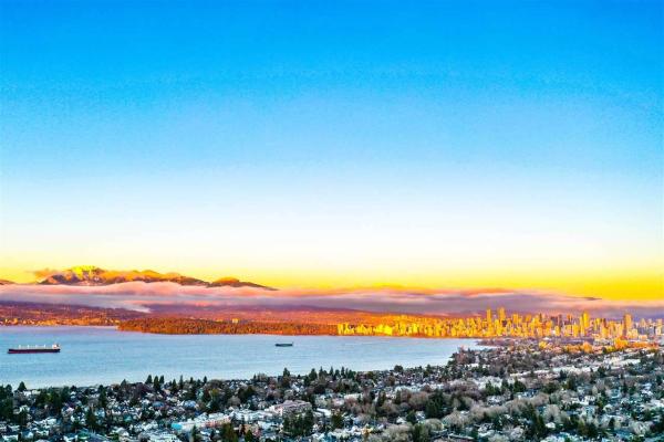 3872 W 10TH AVENUE, Vancouver