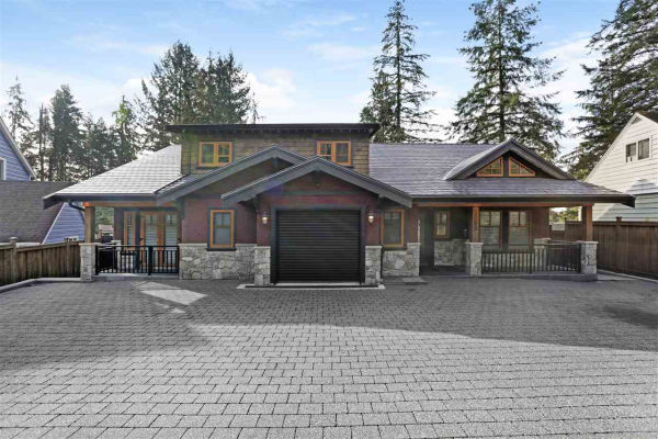 3083 PLYMOUTH DRIVE, North Vancouver