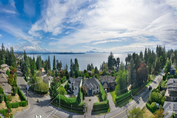 13976 MARINE DRIVE, White Rock