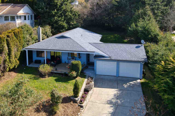 304 HARRY ROAD, Gibsons