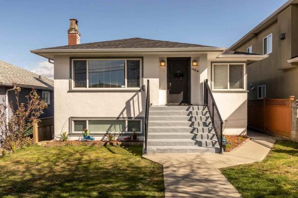 1036 NOOTKA STREET, Vancouver