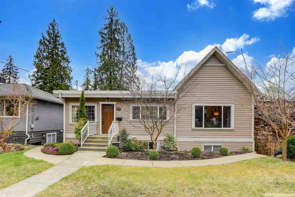 1649 EVELYN STREET, North Vancouver