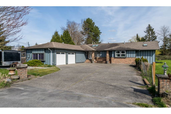 15222 HARRIS ROAD, Pitt Meadows