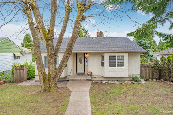 124 GLOVER AVENUE, New Westminster