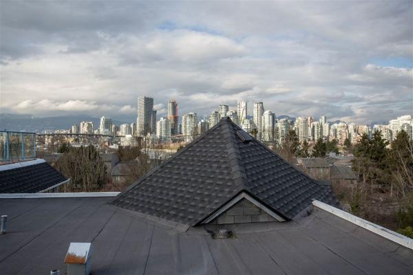 304 1166 W 6TH AVENUE, Vancouver