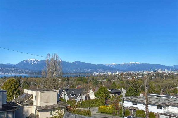 304 3639 W 16TH AVENUE, Vancouver