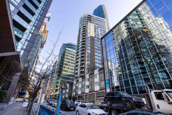 1602 1166 MELVILLE STREET, Vancouver