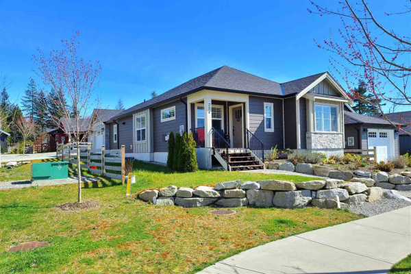 754 WRIGHT ROAD, Gibsons