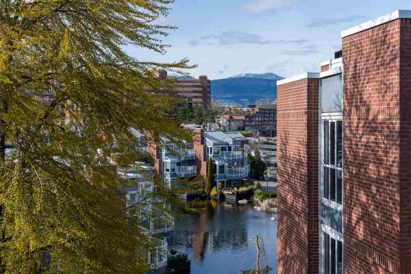 401 1508 MARINER WALK, Vancouver
