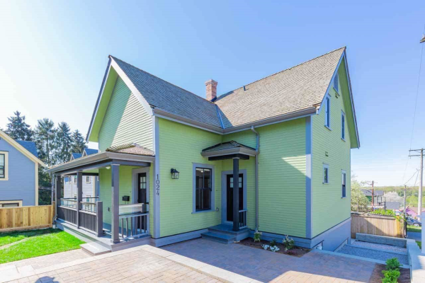 1024 OXFORD STREET, New Westminster