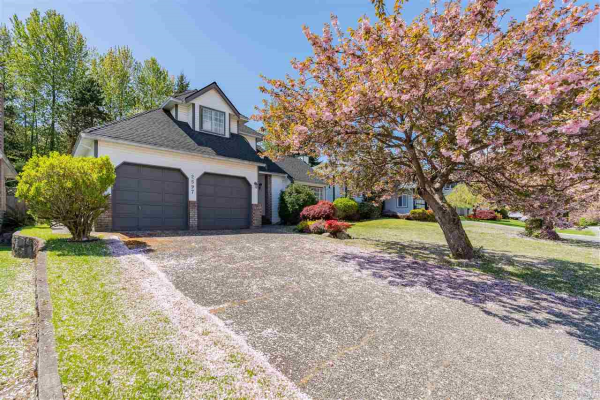 2597 TEMPE KNOLL DRIVE, North Vancouver