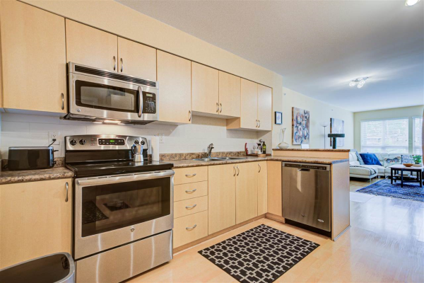 203 3423 E HASTINGS STREET, Vancouver
