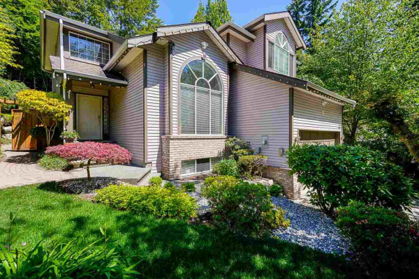112 PARKSIDE DRIVE, Port Moody