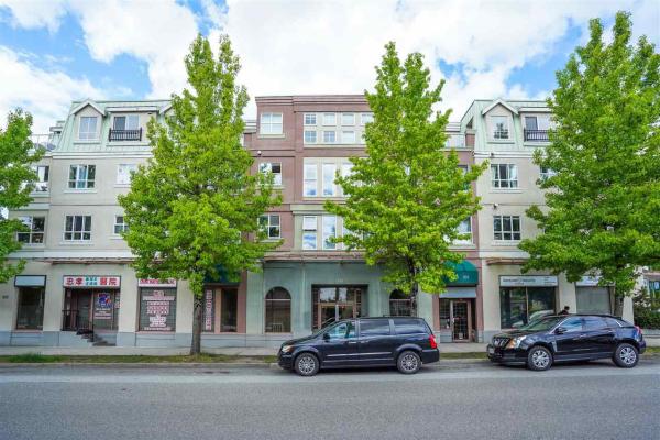 W308 488 KINGSWAY, Vancouver