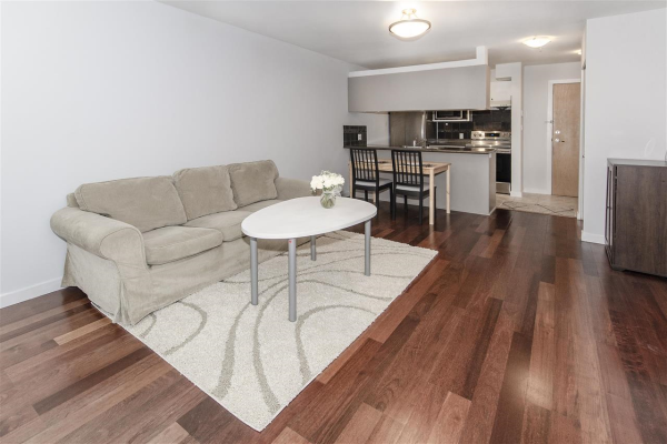 211 2891 E HASTINGS STREET, Vancouver