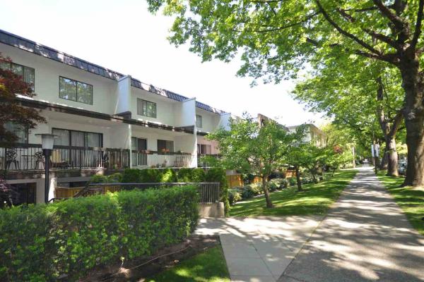 305 345 W 10TH AVENUE, Vancouver