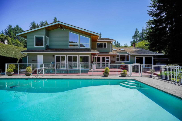 4632 WOODBURN ROAD, West Vancouver