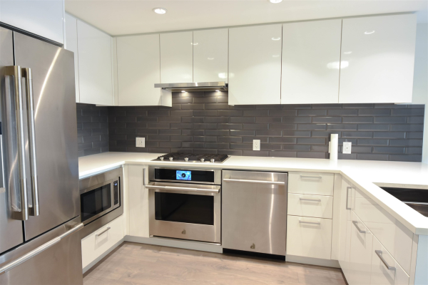 609 3451 SAWMILL CRESCENT, Vancouver
