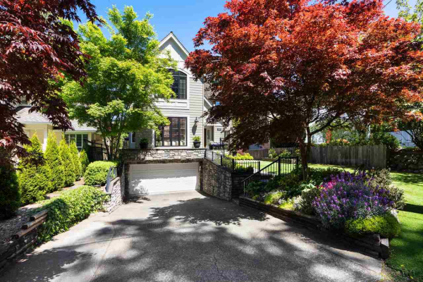 1468 LAING DRIVE, North Vancouver