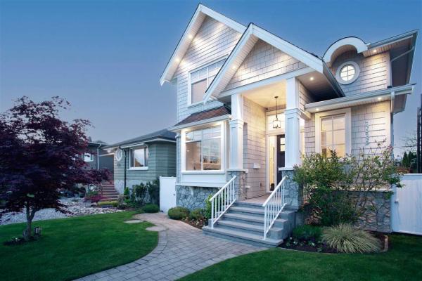 3535 DUNDAS STREET, Vancouver