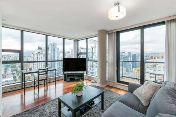 3407 909 MAINLAND STREET, Vancouver