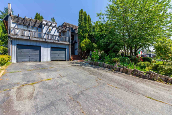 1610 GILES PLACE, Burnaby