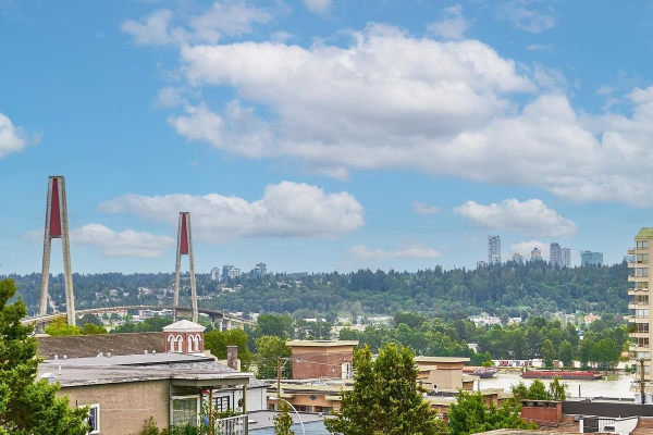 415 500 ROYAL AVENUE, New Westminster