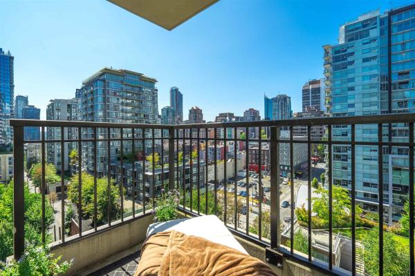 1202 989 RICHARDS STREET, Vancouver