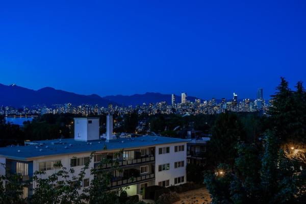 401 2298 W 1ST AVENUE, Vancouver
