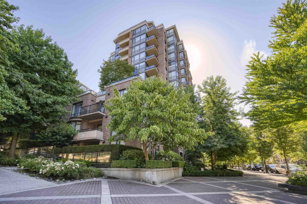 1009 170 W 1ST STREET, North Vancouver